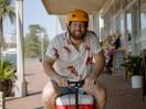 Bloke on Motorised Esky Encourages Aussies to Eat More Seafood