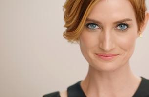 Papaya Films Makes Quick Tip Makeup Films to Reflect Real Life Chaos  for Estée Lauder