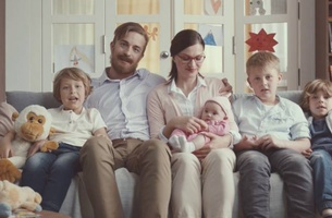 UniCredit Bank Encourage Consumers to Get the Most of Life in Cheerful New Advert