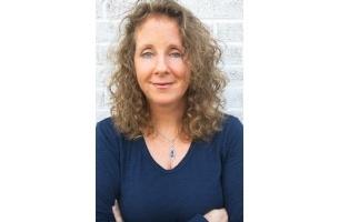 Project: WorldWide Names Jennifer Comiteau Executive Director of Corporate Communications