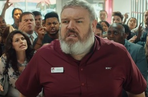 Game of Thrones' Kristian Nairn Holds the Door to Hungry KFC Customers