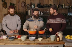 BMB Introduces The Three Bears Breakfast Cooking Show For Rowse Honey