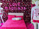 Saatchi & Saatchi Turns Its Reception into a Phone-Free Love Zone