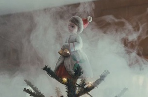 Netflix Christmas Ad from Deutsch LA