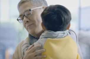 McDonald's HK Shows That Sometimes a Hug is All You Need for Christmas