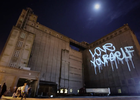 Vodafone – Vodafone Christmas: Laser Graffiti – Huskies Agency