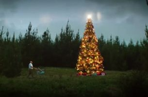 Kiwis Get That Christmas Feeling in New Campaign for The Warehouse