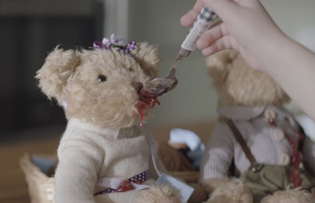 Cheil Ukraine Adds Teddy Bear Tenderness to Samsung Electronics Ad
