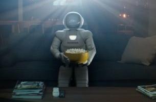 Honda Enjoys a Well-earned Movie Break in New Film On 4 Idents