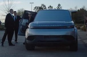 Range Rover Usa >> Land Rover Creates Futuristic Range Rover Sport For Hulu S