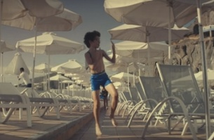 Thomas Cook's Freestyling Pool Kid will Make Your Holiday Season