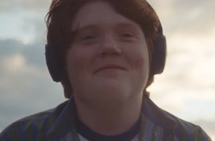 """Grey London's Heartwarming """"Get Feeling"""" Campaign for Bose Will Make You Smile"""