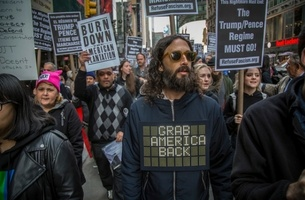 Brothers And Sisters and Folk Use Wearable Tech To Reinvent The Protest Slogan T-Shirt