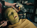 Kevin Bacon Gives Us Plan Envy for EE Full Works Plan for iPhone in New Spot