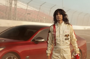 Steven Tyler And Emerson Fittipaldi Race Back in Time in Kia Super Bowl Ad