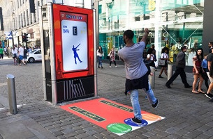 Walkers and AMV BBDO Launch 'Spell and Go' Interactive Poster in Manchester