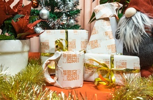 McDonald's in Sweden Helps You Wrap Christmas Presents