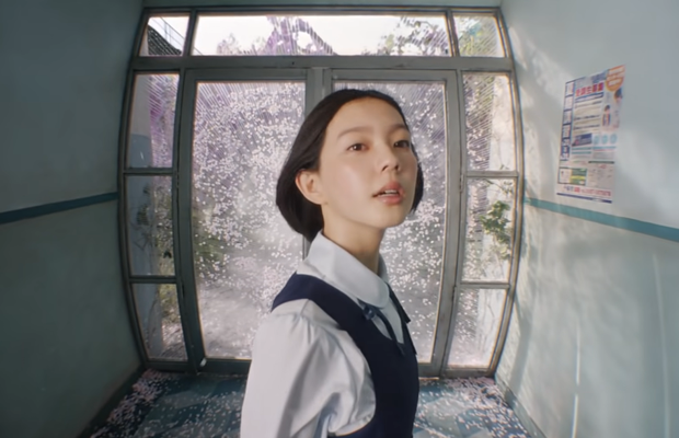 Show Yanagisawa Celebrates the Arrival of Spring In Stunning Spot for Pocari Sweat