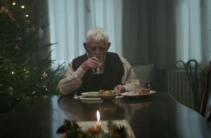 Edeka Supermarket Ad Tells Us to Remember Loved Ones This Christmas