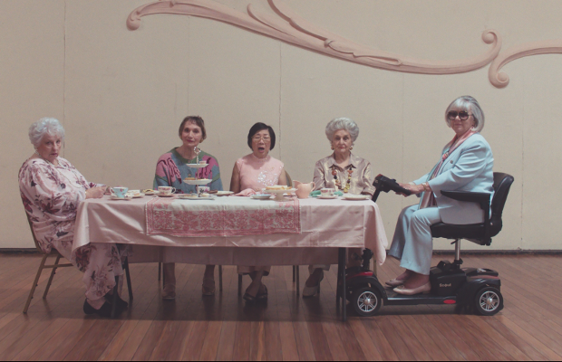 5Geniuses, 5Grannies and 5Guitarists Explain 5G in Playful Aussie Ads