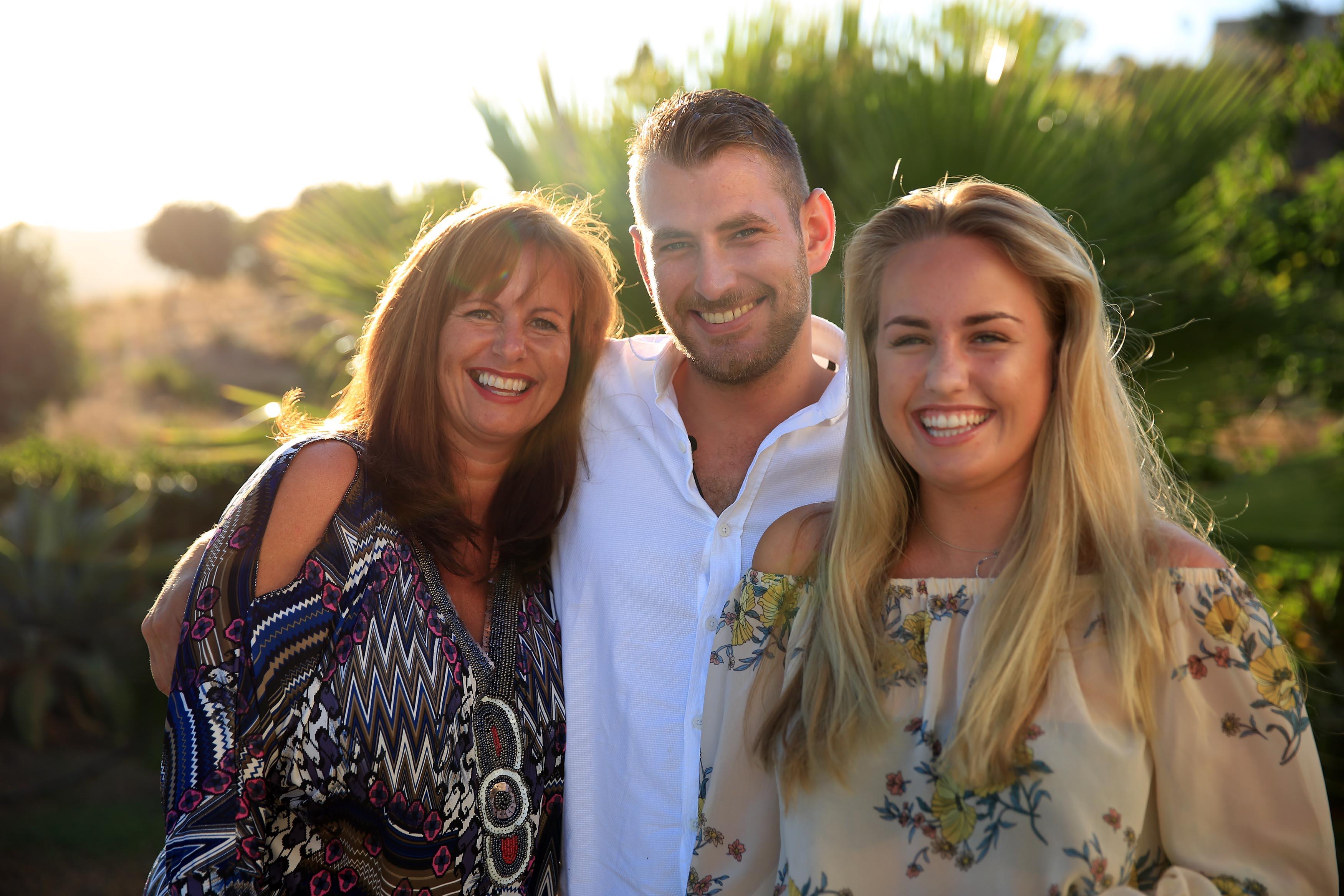 Villa Plus Sponsors Channel 4's Travel Shows