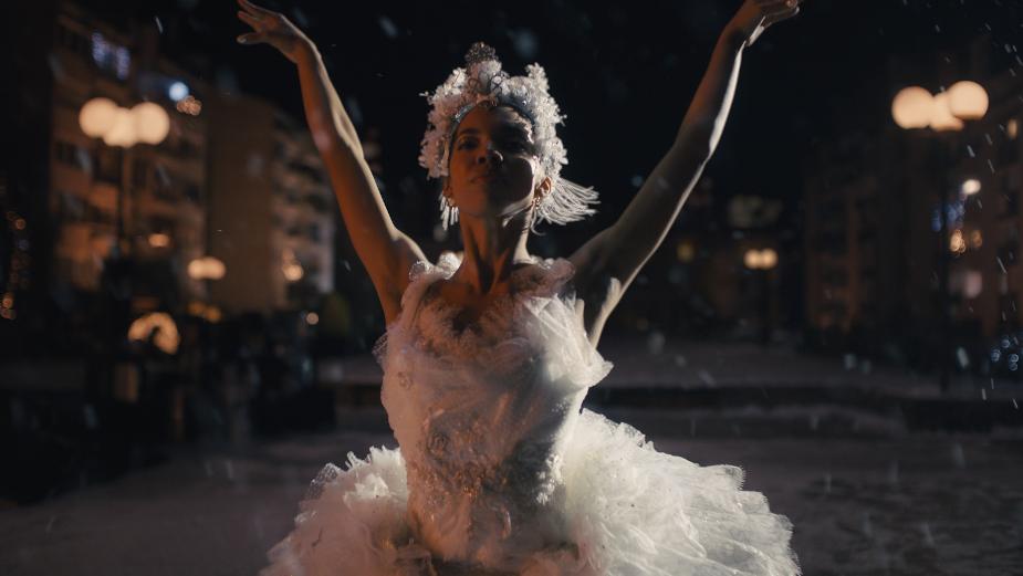 Determined Ballet Dancer Makes Lockdown Sparkle in Amazon Christmas Spot