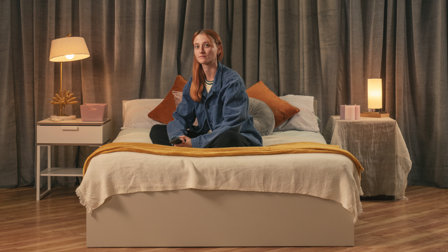 World's First Bed Store Without Any Beds for Sale Highlights Plight of Youth Homelessness