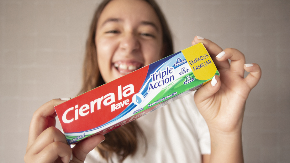 Colgate Colombia's Special Edition Tube Reminds Teeth Brushers to Close the Tap