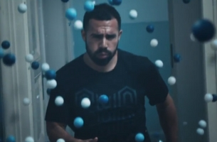 Reebok's Flexweave Campaign Stars Man with Fastest Feet in the World