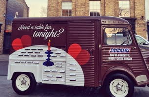 Snickers and AMV BBDO Create Restaurant Experience for Forgetful V-Day Lovers