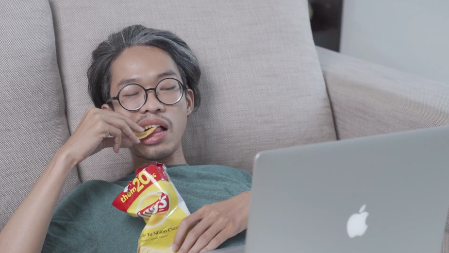Lay's Chips Technology Activates YouTube Subtitles When it Hears You Munching Potato Chips