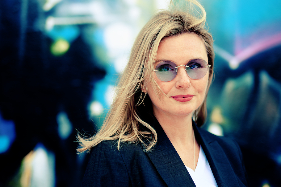 Emma de la Fosse Wins Andi Emerson Award 2020 for Outstanding Contribution to Creativity