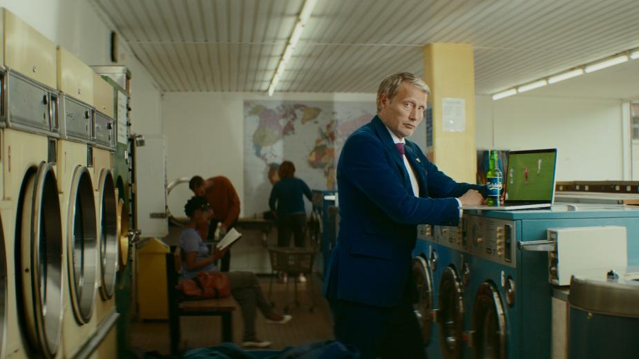 Mads Mikkelsen Pursues Better Through Carlsberg's Alcohol-Free Beer