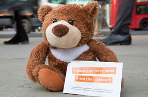 2,000 'Lost' Teddy Bears Descend Upon UK High Streets for Children's Charity Campaign