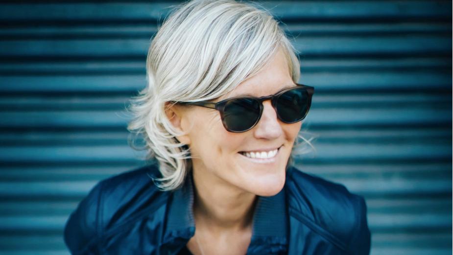 Honor Society Signs Director Kristin Dehnert
