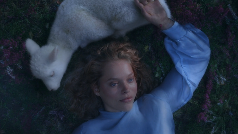 Woman Discovers Natural Softness (and an Adorable Lamb) in Fantastical Loo Roll Ad