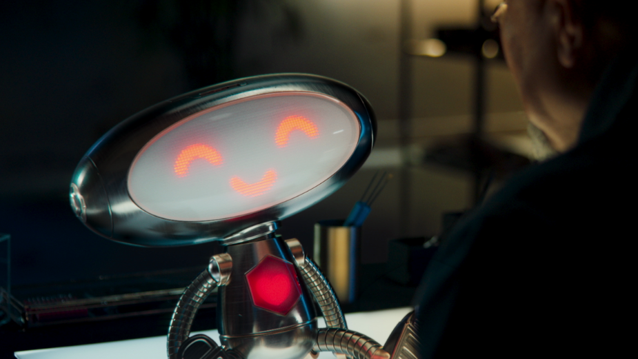 How Disney's Wall-E and Big Hero 6 Inspired Emotion in Bijenkorf's Robbiii the Robot