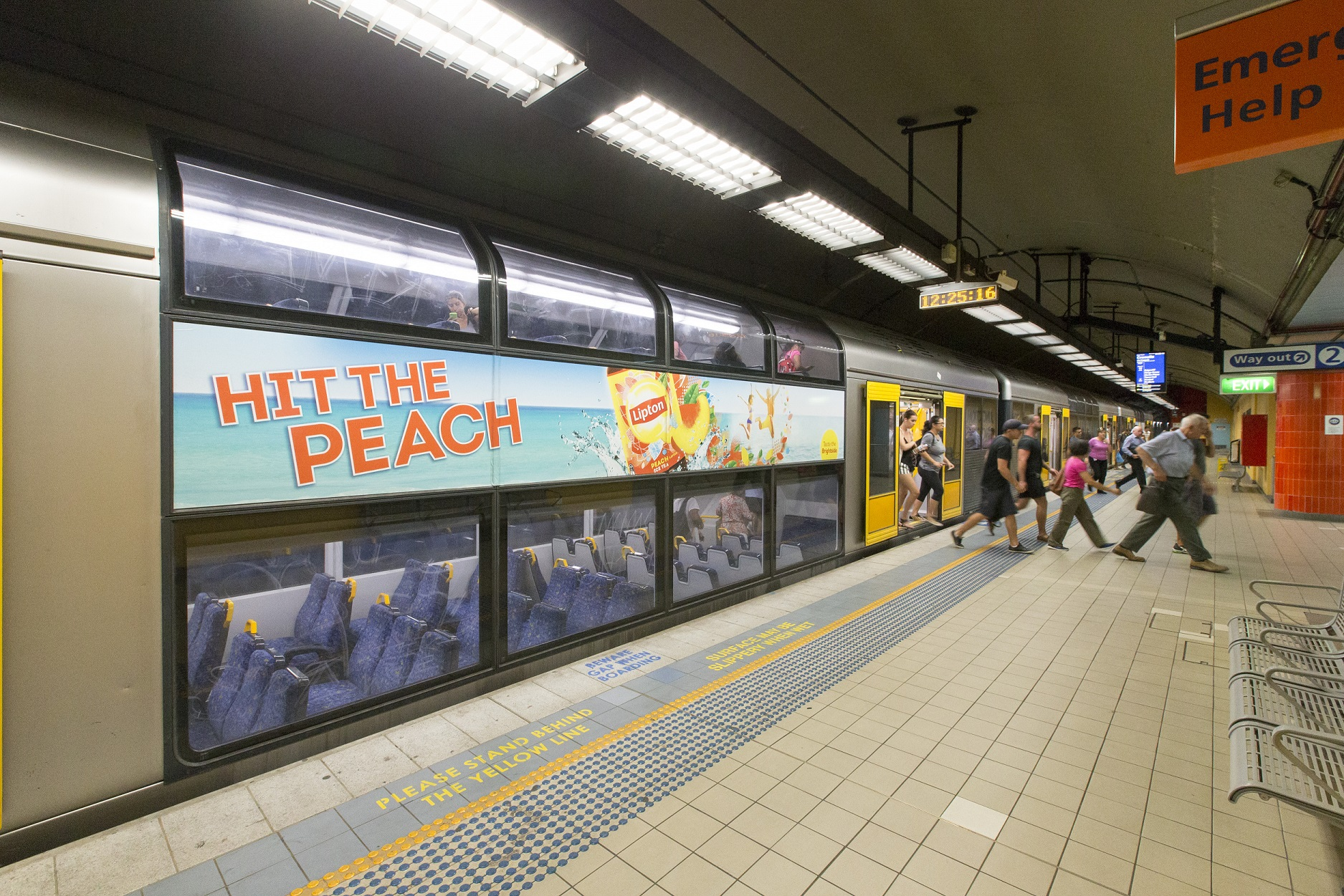 Lipton Hits the Peach on Transit With the Help of TorchMedia