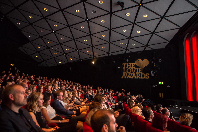 Comedian Mark Watson Confirmed as Host of 2019 Lovie Awards