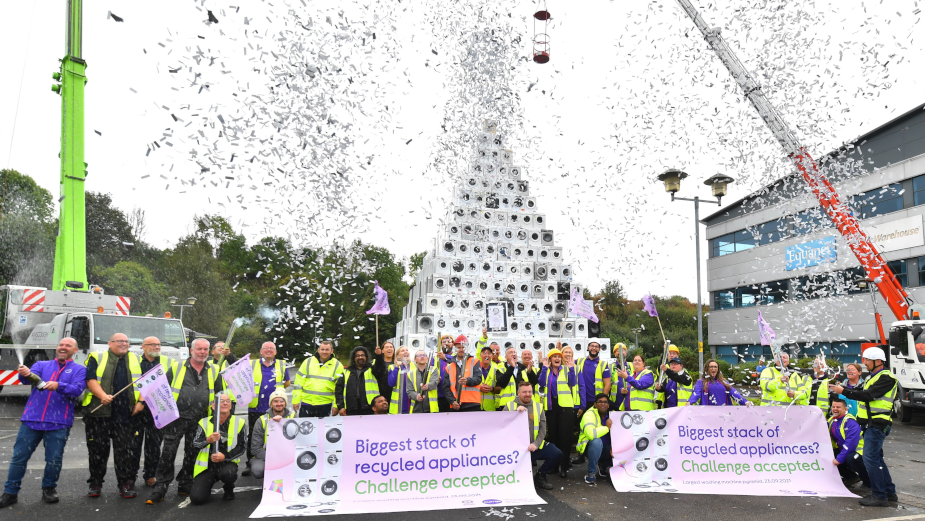 Leading UK Retailers Set 'New Life, Not Landfill' World Record with Washing Machine Tech Tower