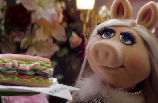 Miss Piggy & Kermit Star in McCann's New Subway Ad