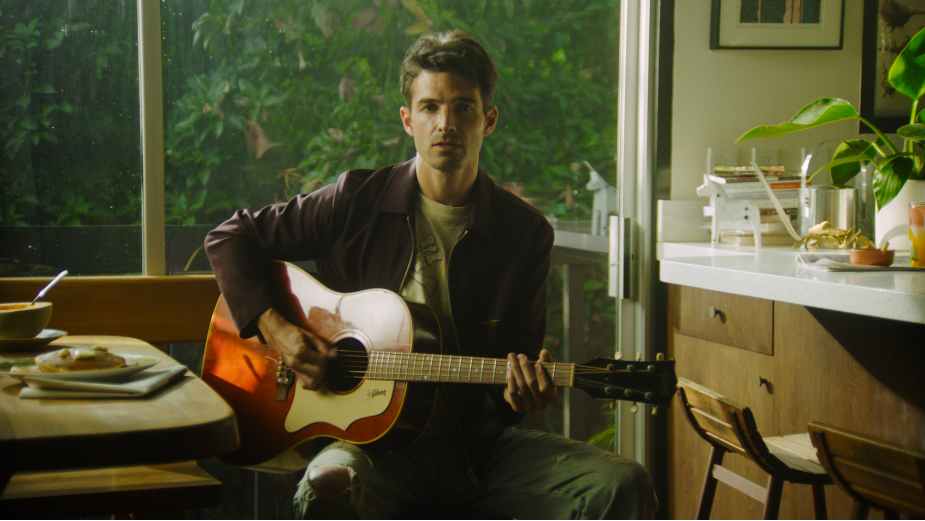 RSA's Max Winkler Showcases Raw Talent of Phantom Planet with Simplistic Music Video