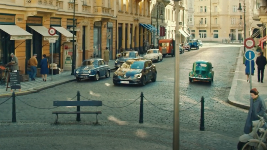 Renault Occasions Reimagines the Classics for RENEW Campaign