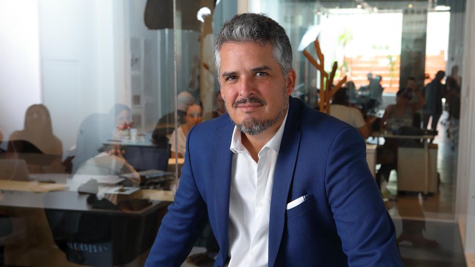 Bossing It: Santiago Puiggari