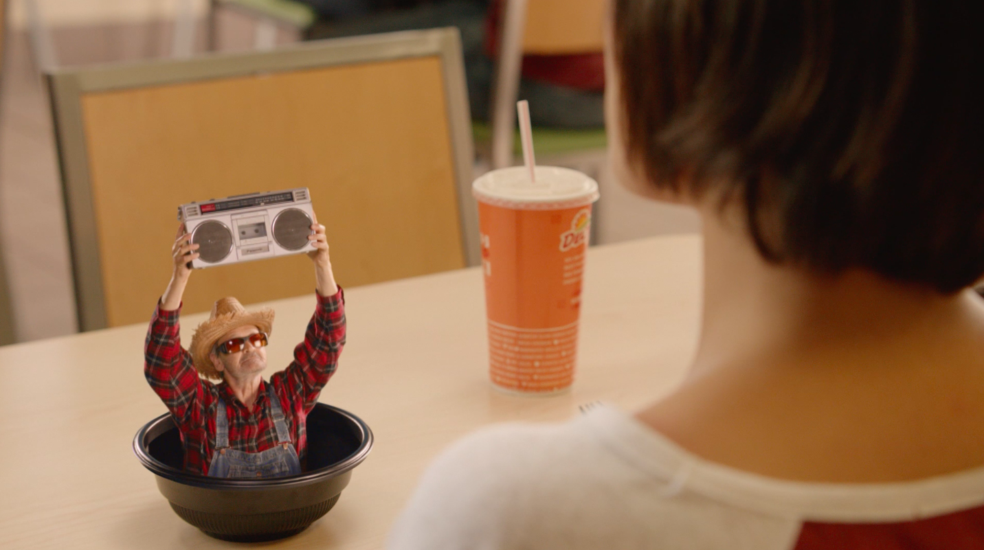 Del Taco & Camp + King Farm Humour Out of 'Surprisingly Fresh' Fresca Bowls