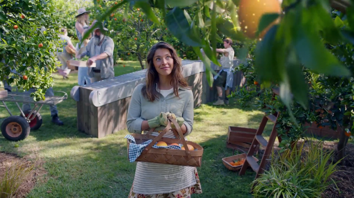 Woolworths and M&C Saatchi Sydney Launch 2019 Christmas Campaign 'Picked for Christmas'