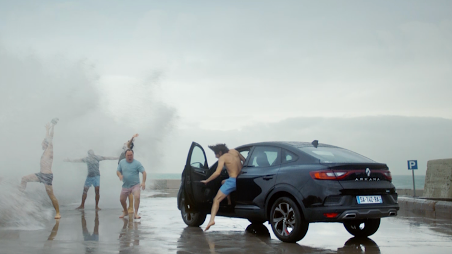 Renault Captures the Twist and Turns of Life in Arkana Hybrid Spot