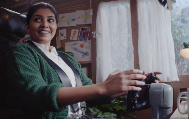 Starling Bank Keeps Your Business Flying in Latest Campaign