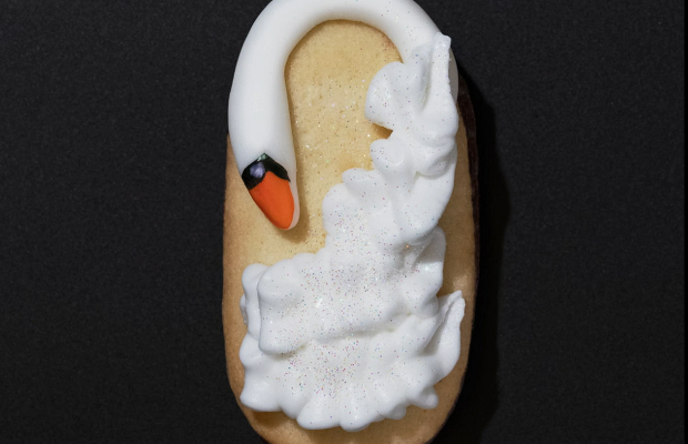 Milano Cookies Recreates Iconic Red Carpet Outfits on Biscuits