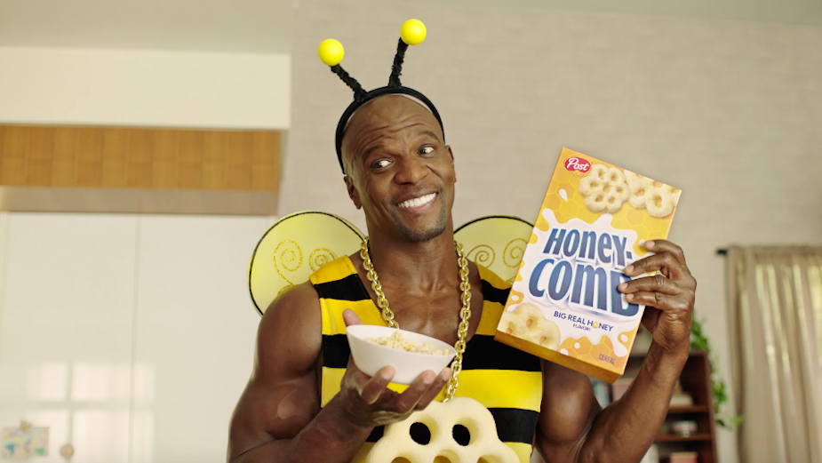 Terry Crews Shares Straight-Talk Inspiration with Tweens and Teens in Un-BEE-lievably Funny TVC